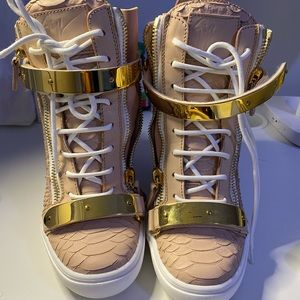 Authentic ankle boots zanotti.
